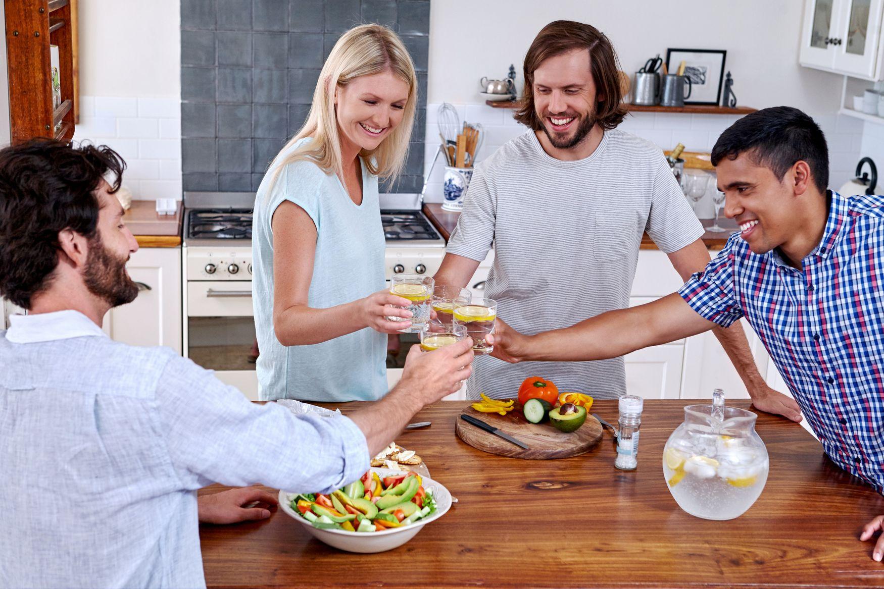 Radość po zakończeniu castingu na najemce mieszkania - zdjęcie
